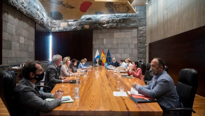 Consejo.- El Gobierno de Canarias mantiene los niveles de alerta por coronavirus vigentes en cada una de las islas
