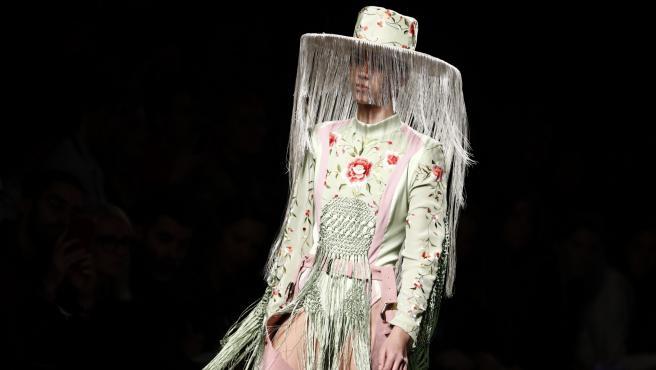 Diseño de Dominnico presentado en la Semana de la Moda de Madrid en enero 2020.