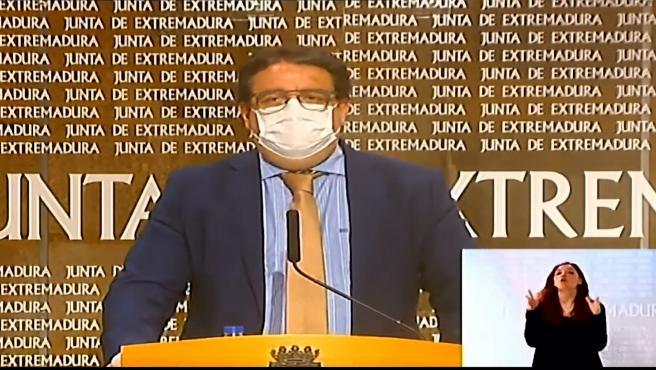 La Junta de Extremadura ha dado marcha atrás y en una reunión extraordinaria ha acordado este viernes mantener el cierre perimetral de la región al menos durante dos semanas más ante el aumento de la incidencia acumulada de la covid-19 en toda España.