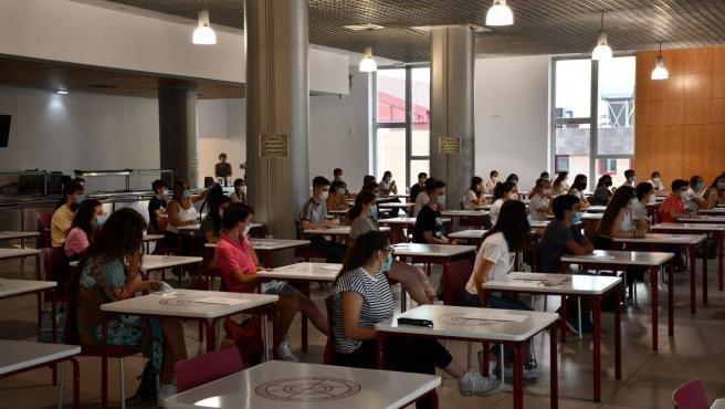 Archivo - Imagen de archivo de la pruebas de selectividad en la Universidad de Huelva.