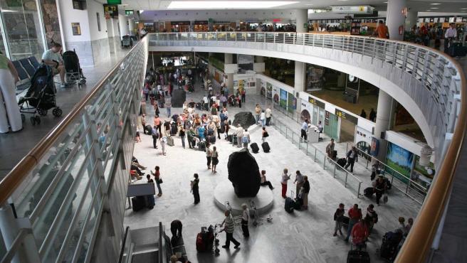 Archivo - Aeropuerto de Lanzarote.