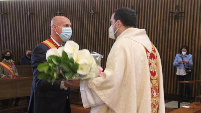 Diez, durante la ofrenda floral.