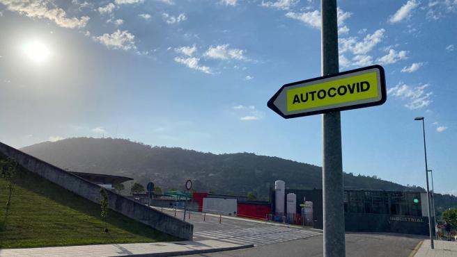 Archivo - Autocovid en Oviedo.