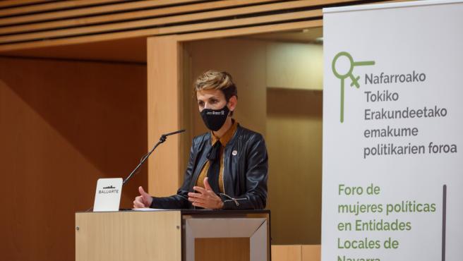 Chivite durante su intervención en el Foro de Mujeres Políticas en Entidades Locales de Navarra