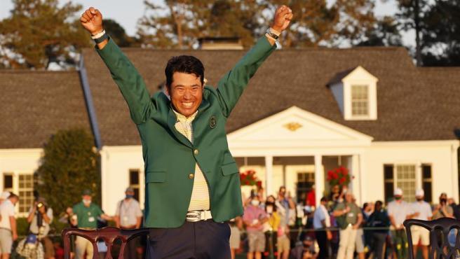 El golfista japonés Hideki Matsuyama, tras proclamarse vencedor del Masters de Augusta.