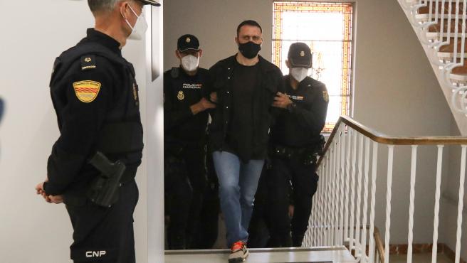 Igor el Ruso, a su llegada al juicio.