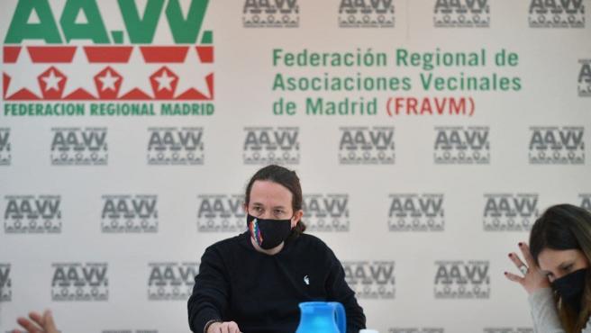 El candidato de Unidas Podemos, Pablo Iglesias, reunido con la FRAMV.