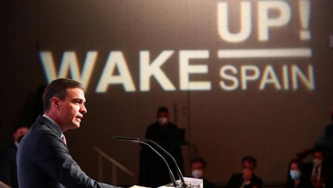 """El presidente del Gobierno, Pedro Sánchez, durante su intervención en la inauguración del foro """"Wake up Spain!"""" de 'El Español'."""