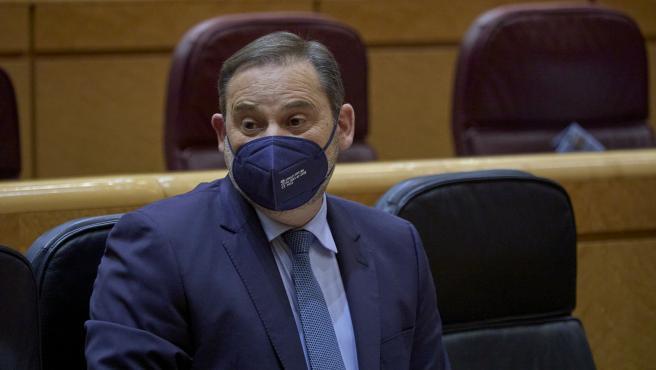 El ministro de Transportes, Movilidad y Agenda Urbana, José Luis Ábalos, durante una sesión de control al Gobierno en la Cámara Alta, a 13 de abril de 2021, en Madrid (España).
