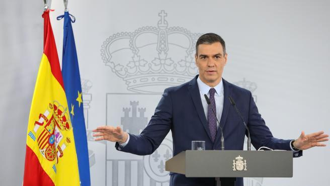 El presidente del Gobierno, Pedro Sánchez, interviene en una rueda de prensa tras la reunión del Consejo de Ministros en Moncloa, a 13 de abril de 2021, en Madrid (España). Durante su comparecencia, Sánchez ha inform
