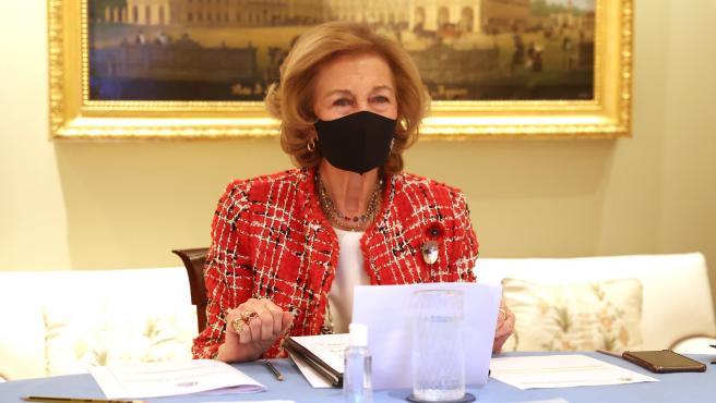 La reina Sofia asiste a una conferencia enmarcada en el Día Mundial del Párkinson.