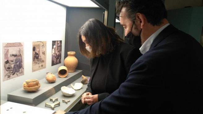 La viceconsejera de Cultura y Deportes, Ana Muñoz, durante una visita a este centro expositivo.