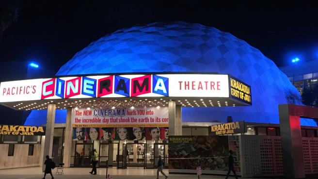 El Cinerama Dome de Los Ángeles.