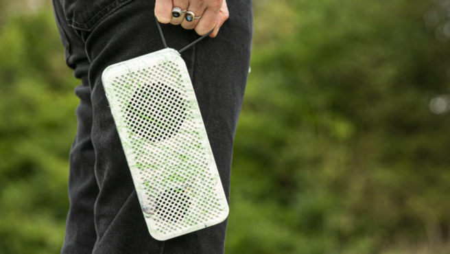 Gomi Speaker fue diseñado para proporcionar buena calidad de audio y ser cuidadoso con el medioambiente