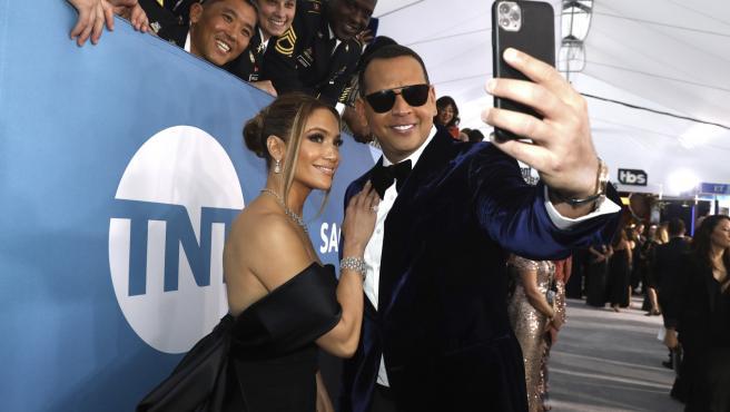 Jennifer Lopez y Alex Rodriguez en los premios Screen Actors Guild Awards.