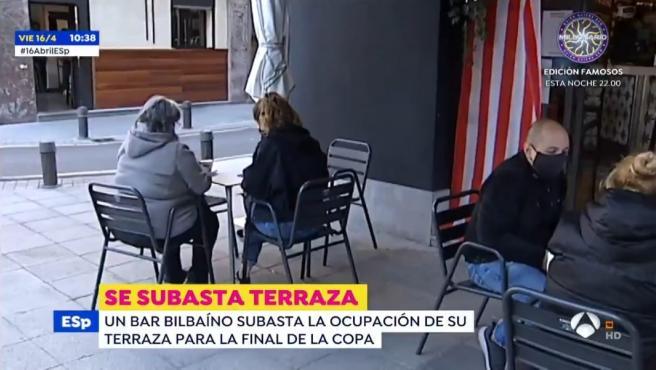 Un bar bilbaíno se prepara de cara la Copa del Rey.