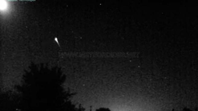 Imagen del meteoro que ha sobrevolado España este sábado.