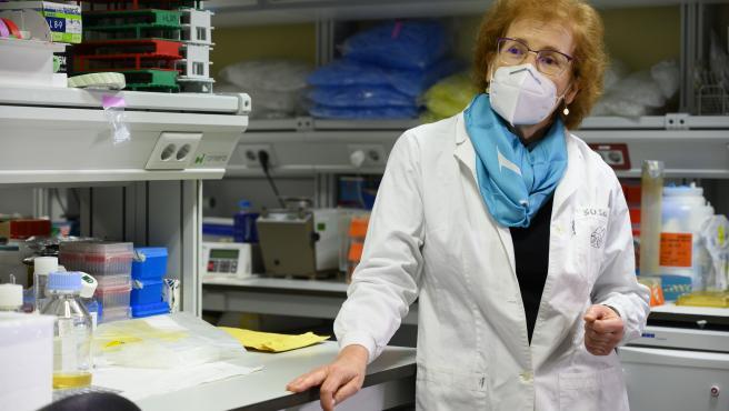 """La inmunóloga y epidemióloga del Consejo Superior de Investigaciones Científicas (CSIC), Margarita del Val, también mostró su alegría al recibir la inyección y aseguró estar encantada: """"Al que se le ofrezca una vacuna, que la tome. Tómala y corre, ponte la vacuna"""", indicó."""