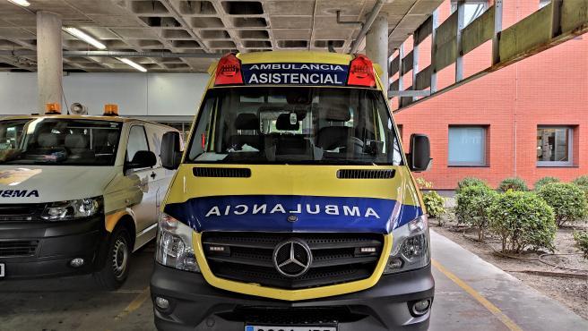 Archivo - Ambulancia, transporte sanitario, soporte vital básico.