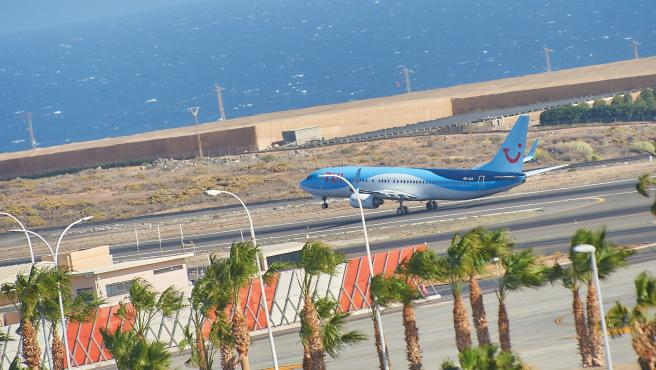 Archive - Airplane of the TUI airline.