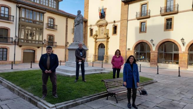 De izquierda a derecha: Miguel Gueimonde (IPLA-CSIC), Jorge Arias (Universidad de Oviedo), Silvia Arboleya (IPLA-CSIC) y Sara García (Universidad de Oviedo).