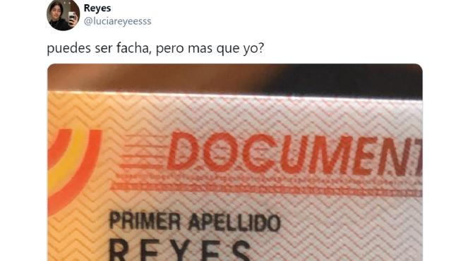 """Una tuitera comparte sus apellidos para demostrar lo """"facha"""" que es su DNI."""