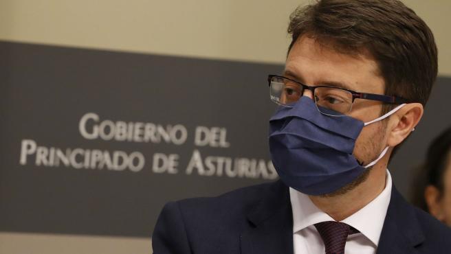 Archivo - El consejero de Industria, Empleo y Promoción Económica. Enrique Fernández