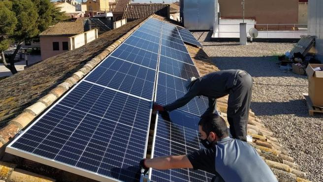 Archivo - Paneles solares