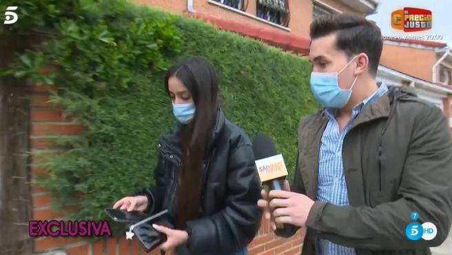 Julia Janeiro con Omar Suárez, reportero de 'Sálvame'.