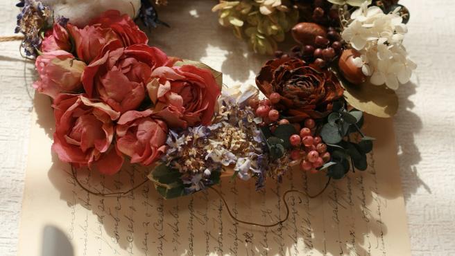 Un ramo de flores secas puede ser un gran elemento decorativo.