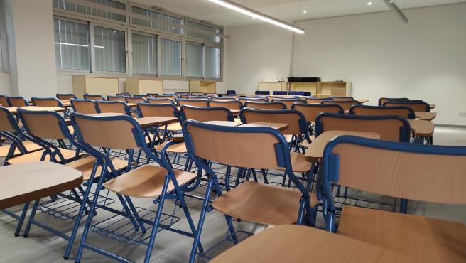 Archivo - Interior de un aula de un colegio público cordobés.