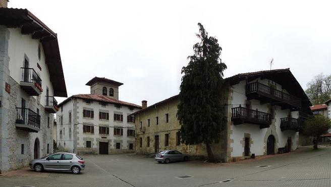 Caserones construidos con piedras de sillería en Lekunberri.