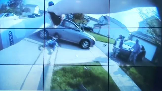 Imagen de la cámara corporal del policía durante el incidente en Ohio.