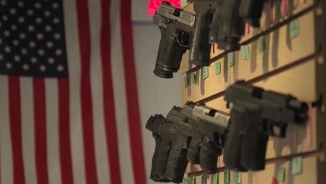 Venta de armas en un local de EE UU.