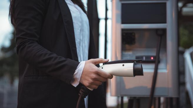 Hay muchos factores que todavía ralentizan las ventas de los vehículos electrificados