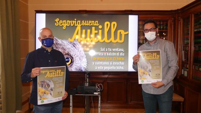El concejal de Medio Ambiente, Ángel Galindo, (i) y el coordinador del programa 'Segovia Educa en Verde', Alberto Díez (d).