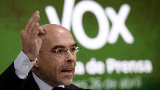 El vicepresidente primero de Acción Política y eurodiputado de Vox, Jorge Buxadé, en rueda de prensa