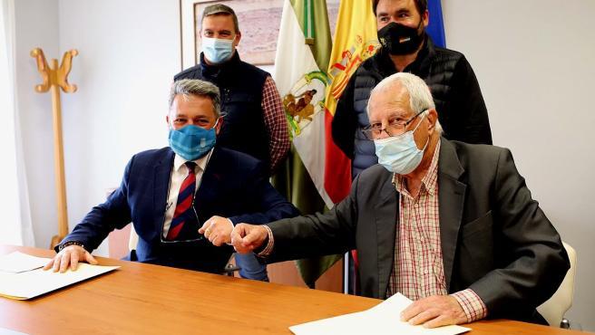 Firma de convenio para la instalacción de atracciones en Jerez