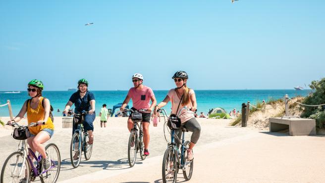 Usuarios en bicicleta