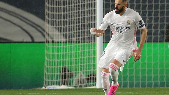 Karim Benzema celebrates his goal against Chelsea.