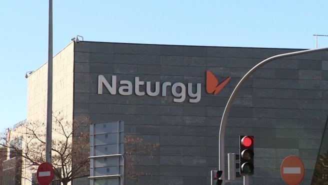 Naturgy bate previsiones y casi duplica su beneficio en el primer trimestre