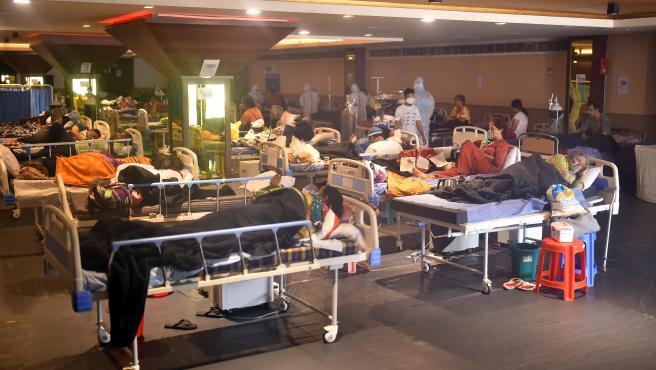 Un hospital en La India, fiel reflejo del país.