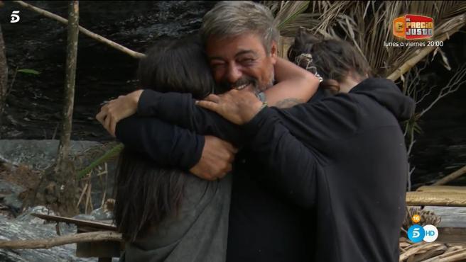 """Lola, Antonio Canales y Palito, en """"Supervivientes""""."""
