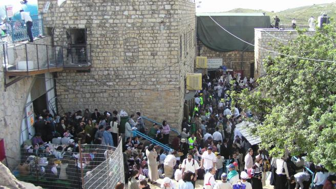 Tumba del rabino Shimon bar Yochai, en Meron, durante Lag Baomer.