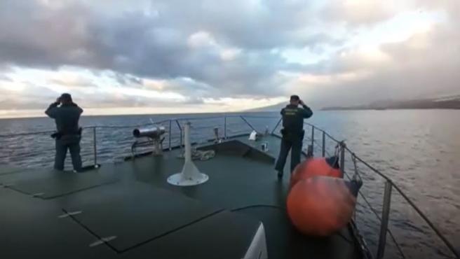 La Guardia Civil rastrea por mar en busca de las niñas desaparecidas en Tenerife junto a su padre.