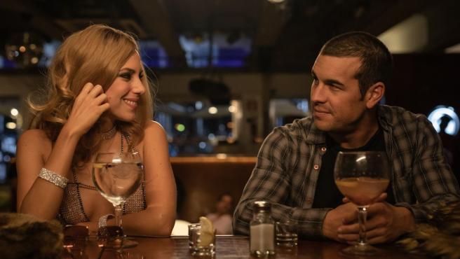 Aura Garrido y Mario Casas en 'El inocente'