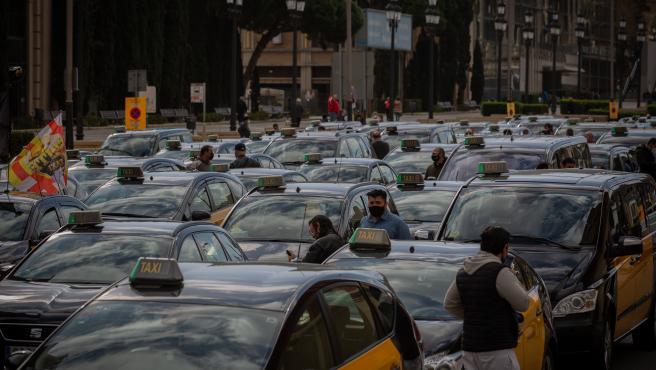 Élite Taxi convoca una movilización la semana del 17 de mayo contra Cabify en Barcelona