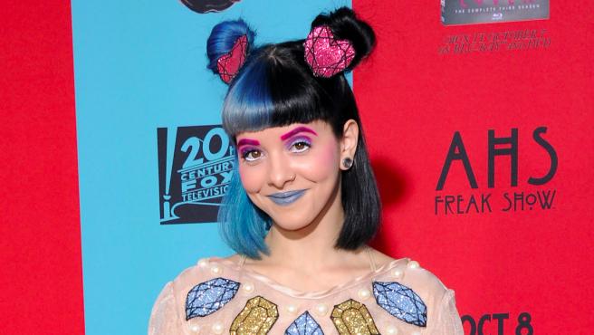 La cantante Melanie Martinez siempre ha sido fiel a la coloración bicolor.