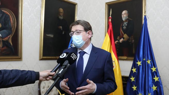 """Puig muestra su apoyo al Palacio de Congresos en el Puerto de Alicante y aboga por que sea un proyecto de """"alta calidad"""""""