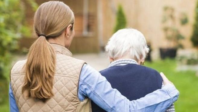 Canarias necesitaría un mínimo de 320 valoradores más para mejorar la Dependencia, según el Diputado del Común